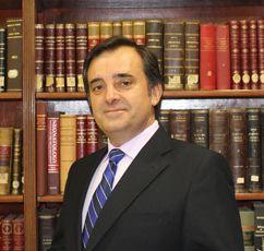 Dr. D. Evelio Robles Agüero