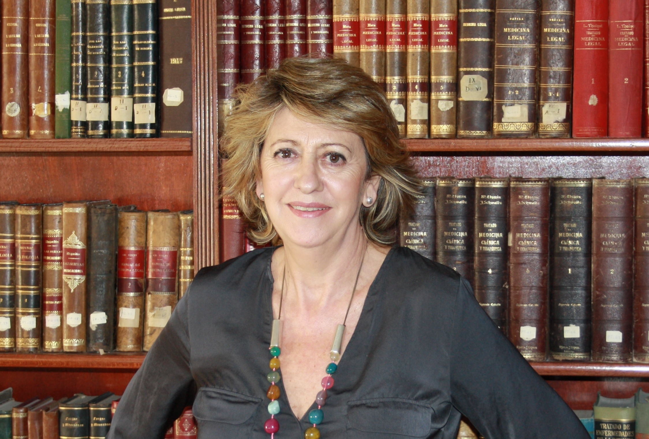 Dra. Carmen Hoyos Peña (2)