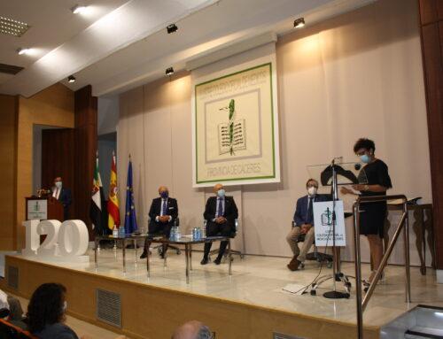 Sebastián Traba recibe la distinción colegial del Colegio de Médicos de Cáceres a título póstumo