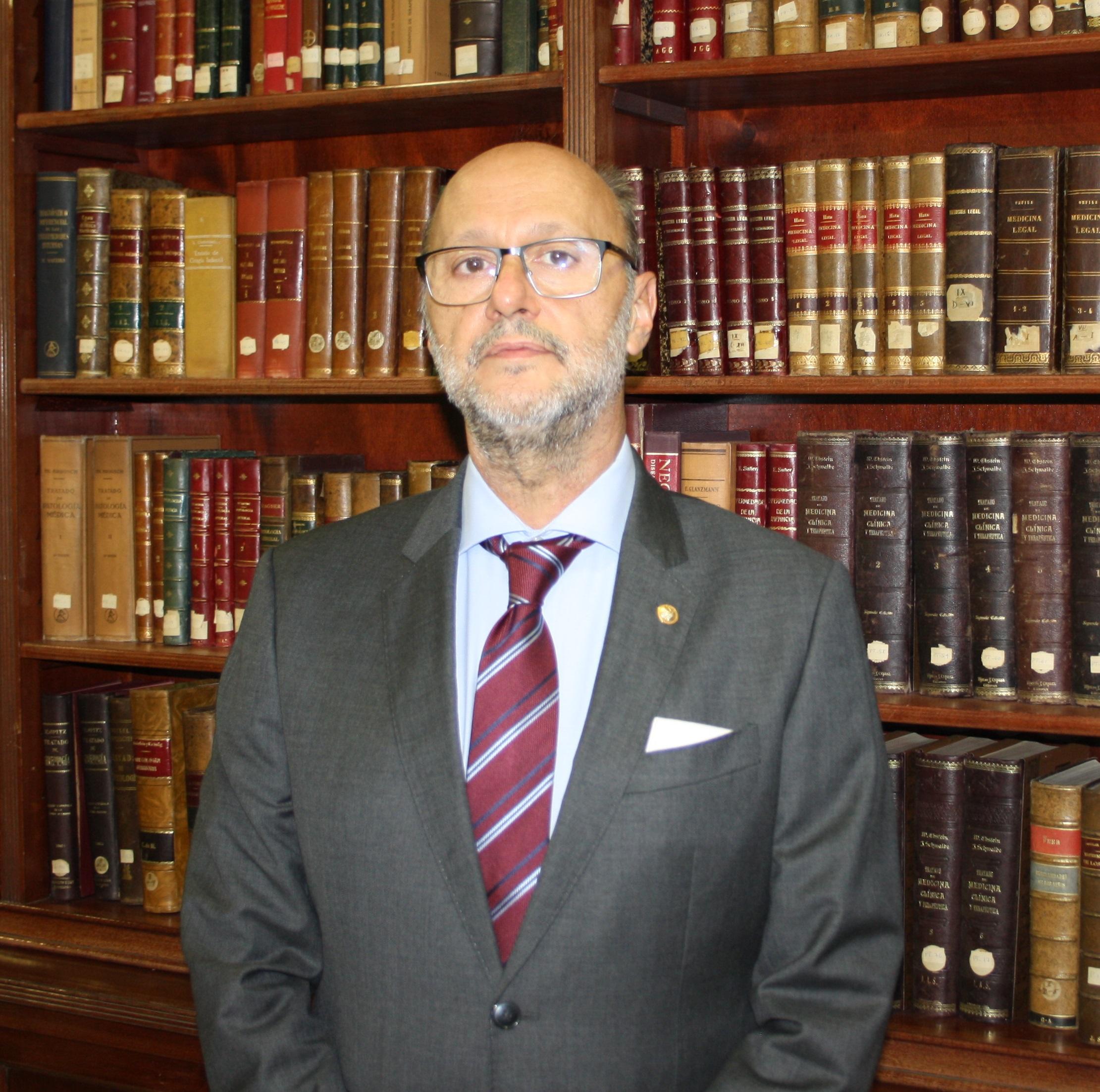 Dr. D. Víctor Manuel Ramos del Amo
